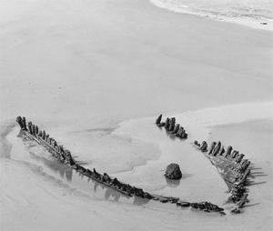 Wreck-of-schooner-Doris-north-gare-1983
